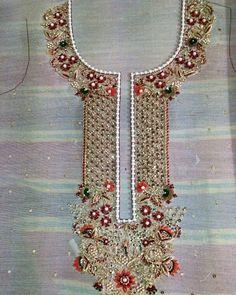 Dress work Zardosi Embroidery, Embroidery On Kurtis, Hand Embroidery Dress, Kurti Embroidery Design, Embroidery On Clothes, Couture Embroidery, Embroidery Works, Embroidery Fashion, Beaded Embroidery