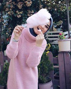 Modern Hijab Fashion, Muslim Fashion, Muslim Beauty, Hijab Trends, Hijab Fashionista, Fashion Photography Poses, Pastel Photography, Hijabi Girl, Cute Girl Photo