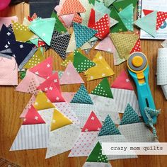 crazy mom quilts: trendy triangles--an old WIP Scrap Fabric Projects, Fabric Scraps, Antique Quilts, Vintage Quilts, Quilting Tips, Quilting Tutorials, Fabric Dining Room Chairs, Crazy Mom, Scrappy Quilts