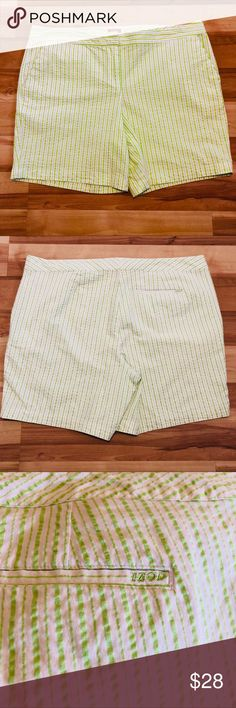Professional Sale Woman's Khakis By Gap Sunkissed Studio Green Shorts Size 4 Mixed Intimate Items
