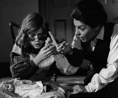 """Anne Bancroft and Patty Duke in """"The Miracle Worker"""" Anne Bancroft - Best Actress Oscar 1962 Anne Bancroft, Patty Duke Show, Good Old Movies, Awesome Movies, Prayer For Our Children, The Miracle Worker, Anne Sullivan, Best Actress Oscar, Classic Actresses"""