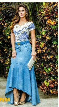 Denim Fashion, Look Fashion, Womens Fashion, Mom Dress, Dress Skirt, Modest Fashion, Fashion Dresses, Jeans Rock, Long Maxi Skirts