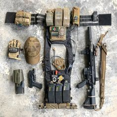 Second equipment gear Tactical Survival, Tactical Gear, Survival Gear, Tactical Training, Survival Items, Plate Carrier Setup, Special Forces Gear, Airsoft Gear, Tac Gear