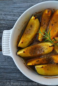 Roasted Brown Sugar & Rosemary Squash Wedges // SO delicious and easy to make!