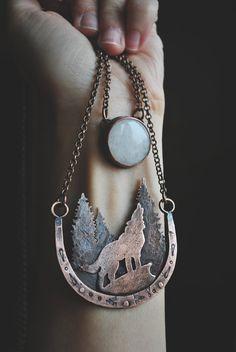 Wolf Jewelry, Ear Jewelry, Hippie Jewelry, Cute Jewelry, Jewelry Crafts, Jewelery, Jewelry Accessories, Unique Jewelry, Wolf Necklace