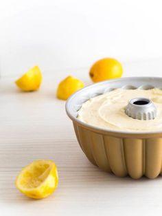 Maailman Paras Sitruunakakku Cookie Cake Pie, Pie Cake, Shot Recipes, Cake Recipes, Finnish Recipes, Sweet Bakery, Cake & Co, Desert Recipes, Yummy Cakes