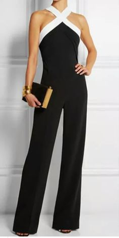 Ladies this Jumpsuit is selling fast! This beautiful Jumpsuit is a must to have in your wardrobe! Black and white, wide leg jumpsuit! For your convenience, visit our website Zoomllshop to order your jumpsuit today! Mode Chic, Mode Style, Mode Inspiration, Fashion Inspiration, Fashion Outfits, Womens Fashion, Net Fashion, Fashion Fabric, Style Fashion