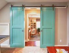 Puertas de interior de corredera, lacadas en color, un aire fresco en la decoración interior del hogar.
