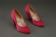 Mamie Eisenhower fuchsia pumps