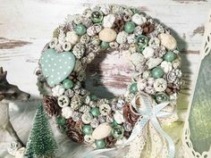 Christmas Wreaths, Christmas Decorations, Holiday Decor, Beach Wreaths, Burlap Wreath, Peonies, Home Decor, Manualidades, Flowers