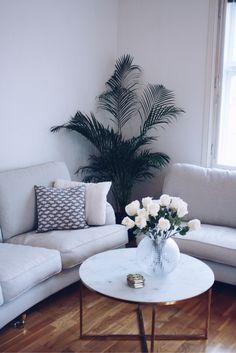 OUR BEAUTIFUL LIVINGROOM | Kan man vara kär i sitt vardagsrum? För i så fall är jag det. Jag kan erkänna att jag nästan började tjuta först när sofforna precis var ihopskruvade, för att