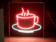 cafe bar restaurant için yapılan kırmızı ışıklı trafolu fincan ışıklı neon…