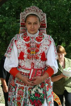 Visit Bulgaria and Transylvania in Romania with JMB Active: self-drive, cultural… Costumes Around The World, Hungarian Embroidery, Ukraine, Folk Costume, Ethnic Fashion, Historical Clothing, Traditional Dresses, Beautiful People, How To Wear