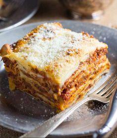 Lasagna Bolognese with Fontina Béchamel — Nerds with Knives Lasagna Bolognese, Bolognese Sauce, Menu Dieta, Bechamel, The Dish, A Food, Food Processor Recipes, Stuffed Peppers, Baking