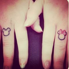 so cute! finger tattoos matching friend tattoo