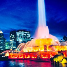 Hello, Windy City - Must-See Attractions in Chicago via Midwest Living.