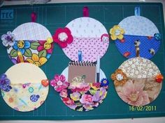from old CDs Old Cd Crafts, Felt Crafts, Crafts To Make, Crafts For Kids, Diy Crafts, Cd Diy, Old Cds, Christmas Gift Box, Art N Craft