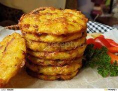 Brambory oloupeme a nastrouháme na hrubém struhadle. Cibulku a šunku nakrájíme na drobno.Všechno lehce promícháme a dochutíme. Připravíme plech s... Bastilla, Potato Dishes, Bon Appetit, Food Inspiration, Baked Potato, Ham, Foodies, Muffin, Food And Drink