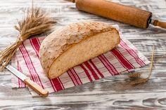 Ψωμί από σκληρό & μαλακό σιτάρι και σίκαλη.Πλάθεται και ζυμώνεται πολύ αργά. Είναι αφράτο με χωριάτικη γεύση. #gatidis #gatidisfresh #γατίδης #bread #ψωμί #food #bakery