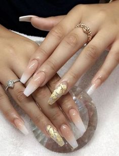34 Natural Cute Light Nails Design For Lady In Fall And 65 Totally Classy Nail Designs To Rock This Winter 2019 15 Nail Colors That Look Especially Am. Gold Acrylic Nails, Coffin Nails Matte, Gold Nails, Stiletto Nails, Gold Glitter, Sparkle Nails, Nude Nails, Black Nails, Matte Black