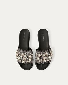 ZARA - COLLECTION AW/17 - SLIDES WITH FAUX PEARLS