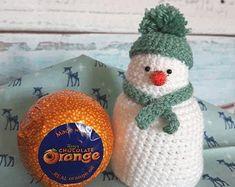Sewn Christmas Ornaments, Knitted Christmas Decorations, Christmas Tree Pattern, Christmas Knitting Patterns, Christmas Crafts, Christmas Stuff, Animal Knitting Patterns, Knit Patterns, Orange Christmas Tree