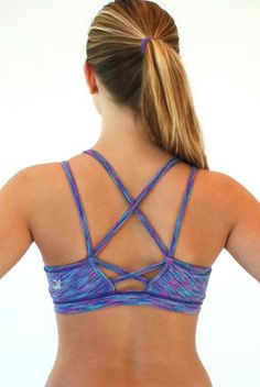 EXCLUSIVE TO EVOLVE FIT WEAR is this Glyder Paradise Hot Sports Bra in Sea Grass Space Dye. How gorgeous is the back of this beautiful full coverage sports bra? Check this sports top out at http://evolvefitwear.com and while you're over there check out the amazing selection of hot yoga pants and leggings!