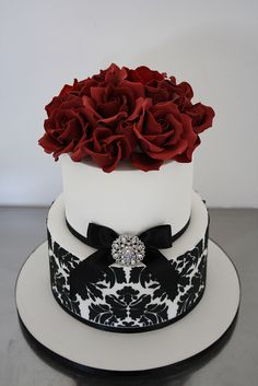 Absolutely stunning wedding cake  Perfect with flowers to match bridesmaid color on top