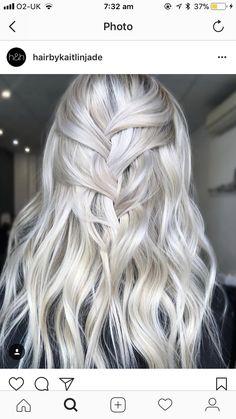 Balayage Blond, Blonde Hair, Messy Hairstyles, Pretty Hairstyles, Hair And Harlow, Hair Heaven, Hair Dye Colors, Silver Hair, Big Hair