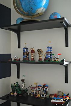 Lego display. Inspiration to give kids a display shelve to display their latest creations when they aren't playing with them.