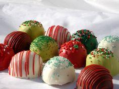 Perfect holiday gift for… Christmas Cake Pops, Christmas Sweets, Merry Christmas, Holiday Cakes, Holiday Gifts, Secret Santa, Breakfast, Balls, Desserts