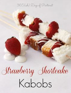 Instead of making a whole cake, try putting together some strawberry shortcake kabobs for an easy summer dessert. It's a low calorie treat, too! Easy Summer Desserts, Just Desserts, Delicious Desserts, Dessert Recipes, Yummy Food, Bar Recipes, Cupcake Recipes, Healthy Desserts, Strawberry Shortcake Kabobs