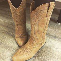 """""""<><><> Sears Woodfield Great boots right price @sears  @searsstyle @shopyourway  #fashion #style #stylish #style4days #shopping #stylist #boots…"""""""