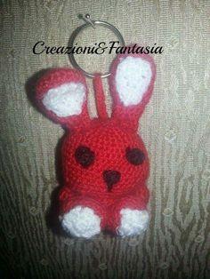 #uncinetto #crochet #amigurumi #handmadewithlove #handmade #lemaddine #handmadeinitaly #fattoamano #artigianatoitaliano #creazioniefantasia  #picoftheday #madeinitaly #artigianato #fattoamanoconamore #accessori #accessories #coniglietto #rabbit