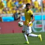 #Mondiali2014: il #Brasile batte la #Colombia grazie alle reti di #ThiagoSilva e #DavidLuiz, inutile il sigillo di #JamesRodriguez. Mondiali finiti per #Neymar: frattura della terza vertebra lombare, almeno un mese di stop.