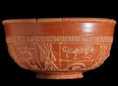 """ancientart: """" Examples of Roman Samian ware (Terra Sigillata). 'Samian ware' is a type of mould-made pottery, and was the standard fine table ware of the Roman world during the early empire. Rookwood Pottery, Raku Pottery, Pottery Art, Types Of Mold, Types Of Art, Ancient Rome, Ancient Art, Art Romain, Art Antique"""