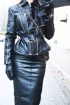 Ladies in Black https://www.facebook.com/AnGDesignHandmadestudiO/photos/a.481389138631900.1073741858.238564979580985/482549445182536/?type=3