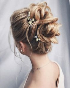 Tonyastylist Wedding Updo Hairstyles for Bride - Coiffure Sites Bun Hairstyles For Long Hair, Best Wedding Hairstyles, Bride Hairstyles, Amazing Hairstyles, Hairstyle Ideas, Bridal Hair Updo, Wedding Hair And Makeup, Wedding Updo, Medium Long Hair