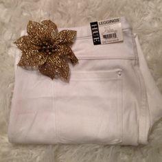 HUE leggings White new with tags cropped HUE Pants Leggings