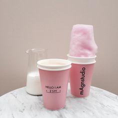 今日紹介するのは、ラテの見た目の可愛さも抜群、 カフェのお洒落度も高いカフェを紹介します♡ magnstudio_coffee point①カフェの内装がお洒落すぎる magnstudio_coffeeのひとつめのpointは、 内装がとってもお洒落でかわいいこと!