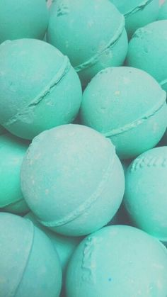 bath bombs but minty Mint Green Aesthetic, Blue Aesthetic Pastel, Rainbow Aesthetic, Aesthetic Colors, Aesthetic Pictures, Verde Tiffany, Tiffany Blue, Teal Wallpaper, Blue Wallpapers