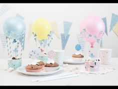 DIY : Hot-air balloons for the party table by Søstrene Grene. Remember to decorate with festive hot-air balloons when setting the party table. Anna suggests that you fill the baskets with sweets for all your guests. Birthday Decorations At Home, Baby Shower Balloon Decorations, Easy Party Decorations, Baby Shower Balloons, Decoration Table, Birthday Party Tables, Diy Birthday, Diy Ballon, Dibujos Baby Shower