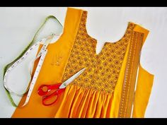 DIY Designer Yoke Top Cutting and Stitching - Kurti Blouse Kurti Sleeves Design, Kurta Neck Design, Sleeves Designs For Dresses, Girls Dresses Sewing, Dress Sewing Patterns, Sewing Clothes, Neckline Designs, Blouse Neck Designs, Blouse Tutorial