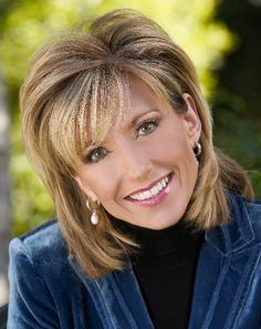 From the Baptist New Mexican: LifeWay Christian Resources is bringing well-known Bible teacher and best-selling author Beth Moore to the Santa Anna Star Center in Rio Rancho, New Mexico on April Short Hair With Layers, Layered Hair, Short Hair Cuts, Beth Moore Hair, Medium Hair Styles, Short Hair Styles, Hair Medium, Medium Cut, Hair Images