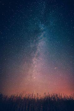 Milky Way Galaxy From Earth Infinite Stars Iphone Wallpaper Free – GetintoPik Sky Full Of Stars, Look At The Stars, Night Sky Stars, Star Sky, Beautiful Sky, Beautiful Places, Natur Wallpaper, Ciel Nocturne, Galaxy Wallpaper