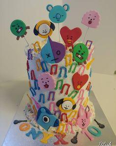 KPop #kpop #music #bright #cakes #dlish Bright Cakes, Birthday Cakes, Kpop, Unisex, Music, Desserts, Anniversary Cakes, Deserts, Muziek