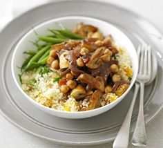 Moroccan mushrooms with couscous ---Try it as an alternative to a meat meal some evening! Cheap and very healthy. Couscous is so versatile and you can mix it with almost anything! Bbc Good Food Recipes, Veggie Recipes, Vegetarian Recipes, Cooking Recipes, Healthy Recipes, Vegetarian Dish, Going Vegetarian, Cooking Videos, Mushroom Recipes