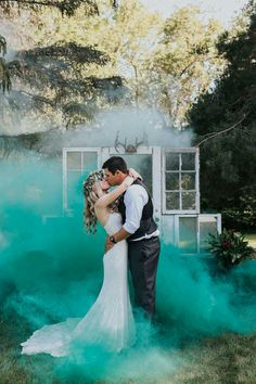 Beautiful smoke bomb wedding photography