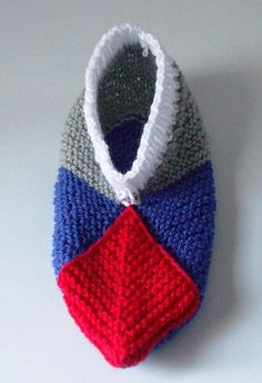Ravelry: Modular Slippers with Ribbed Cuff pattern by Lesley Arnold-Hopkins
