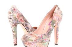 sparkly pink wedding shoes floral printed bridal heels  Pastel Dress #2dayslook #watsonlucy723  #PastelDress  www.2dayslook.com
